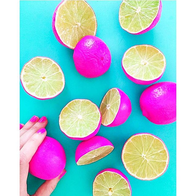 Happiness is hot pink 💗 Neon colors can and DO work for weddings! Whether used for pops on paper items, a flash of the bride's heels, or right smack dab in the florals, so much fun can be had with a color scheme! Thanks @splendid_rags for this snippet of saturated goodness 💖 #colorsplash