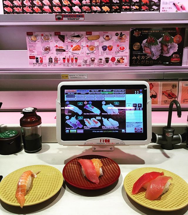 Japan, everything about you was magical. This was my Christmas Eve feast. Easily the best nigiri I've ever had, ordered via tablet and swooshed down a conveyor belt at roughly 40mph. Note the matcha on tap. Uobei is a couple blocks away from the busiest intersection in the world, where 2500 people harmoniously cross every time the light changes. I was the only blonde in sight #tokyo