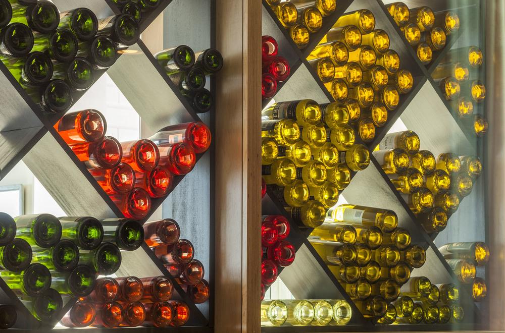 Wine wall_2134.jpg