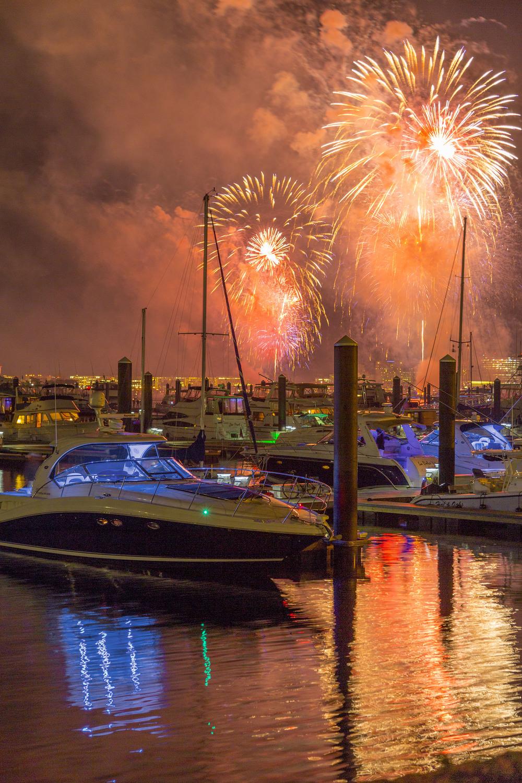 CM fireworks_5628©Jim Raycroft.jpg