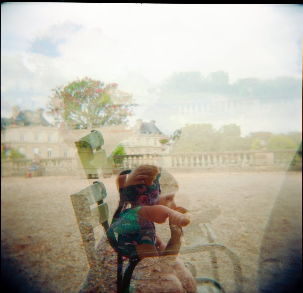 toddler at jardin luxembourg