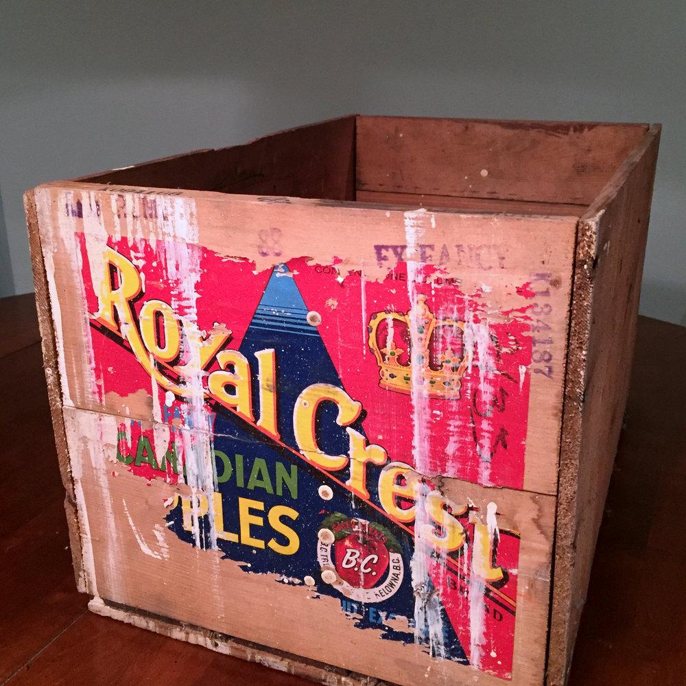 Crate Fruit Royal Crest Apples.jpg