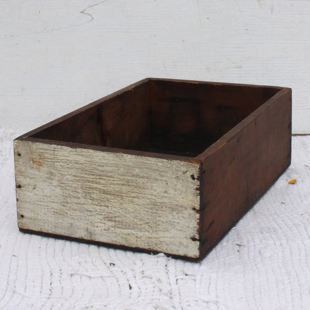 Crates Small wooden box.jpg
