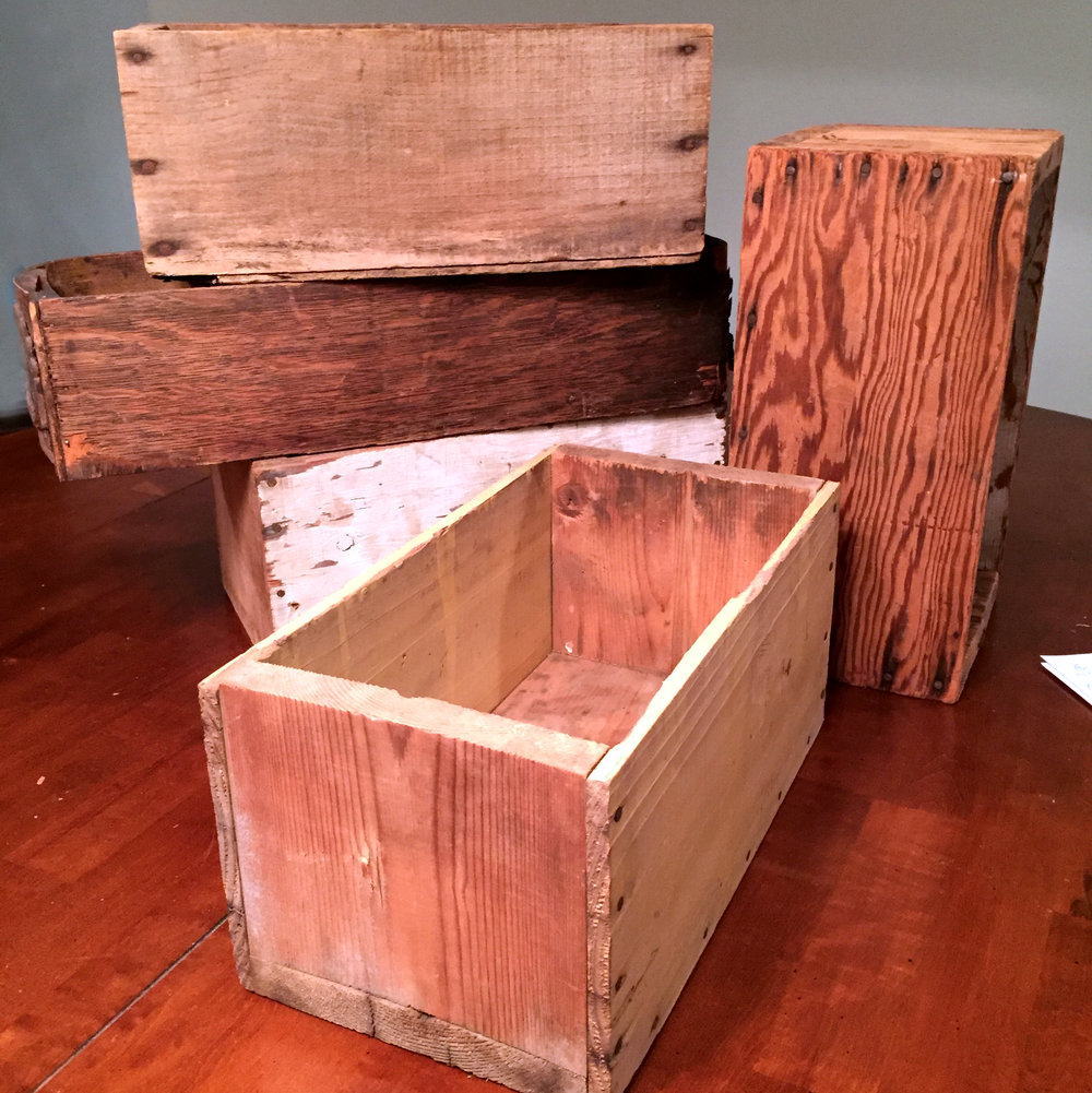 Crates small wooden boxes 2.jpg