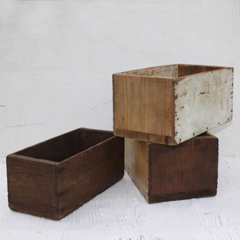 Crates Small wooden boxes.jpg