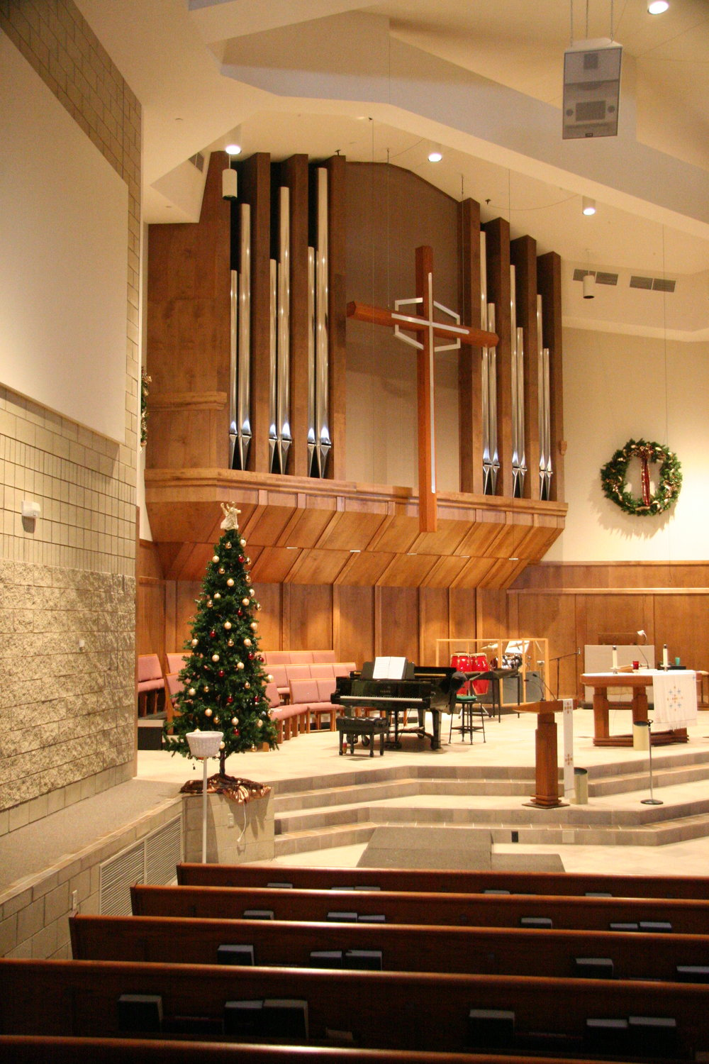 Community Of The Cross Lutheran Church - Bloomington, Minn.