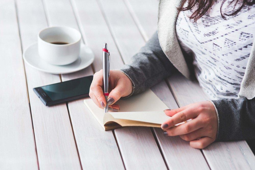 people-woman-hand-desk.sml.jpg