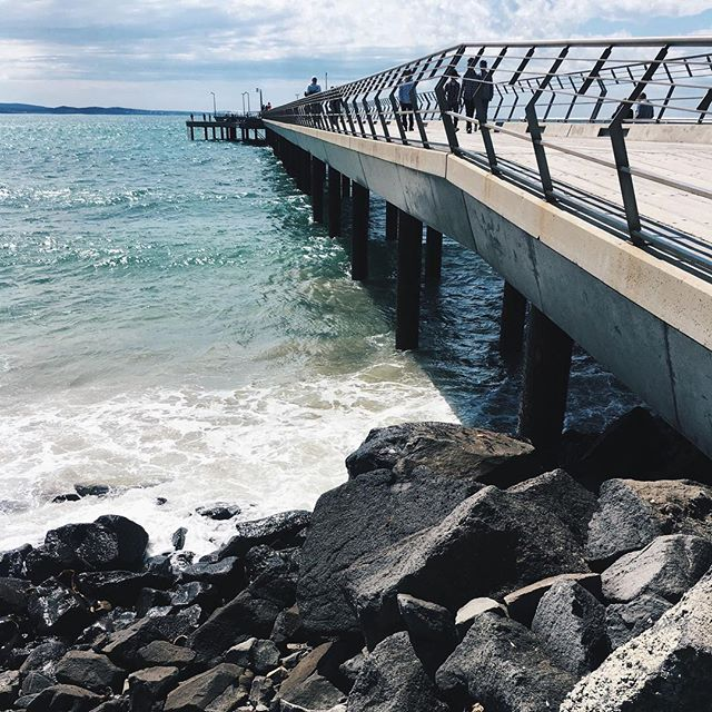 I love the water, I love Lorne, I love walking along the pier at Lorne. Find the places that's brings you life and energy... once you find it, keep going there!! (Dear God please send me to Noosa as well as Lorne 😀)⠀ ⠀ #lorne #lornevictoria #ohmygrief #grief #beach #walking #walk #fit #health #waves #ocean #seaair #sand #happyplace #instablogger #travel #sun #beachwalks #seetheworld #australiabeaches  #seeaustralia
