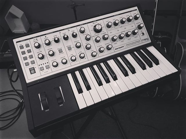 This glorious BEAST paid a visit to the studio tonight. Thanks @ltdexposure for bringing it by. #drool #moog #subphatty #phatty #sub #analog #synthesizer #synth #studioflow