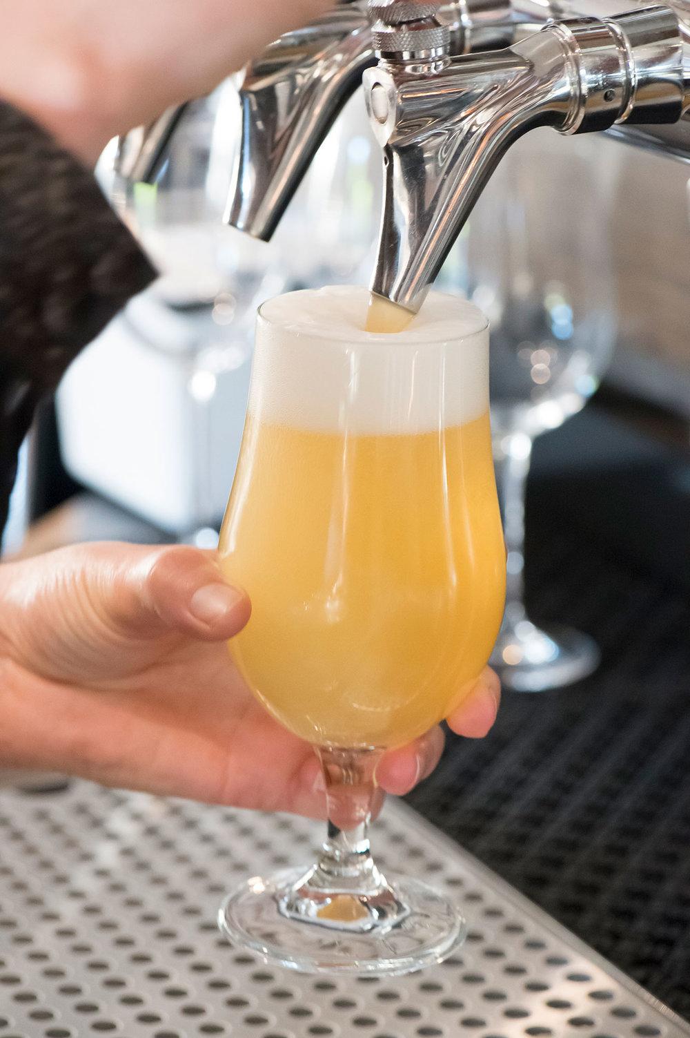 beer-tap-bar.jpg