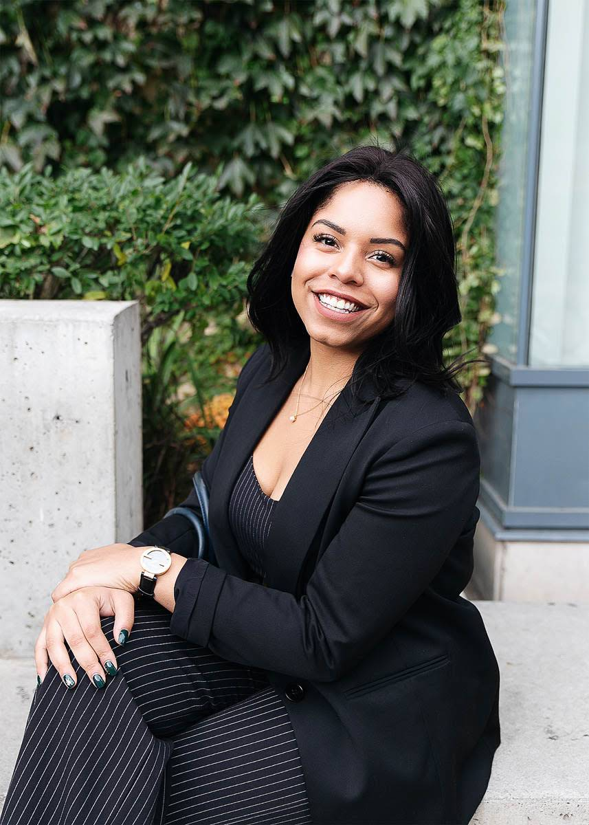 Antuanette Gomez //CEO - Her extensive knowledge on cannabis and women' sexual health make her perfect for the position. She has worked with over 5,000 chronic pain patients and have cannabis industry knowledge for 6 years. Former Director of Canada at WomenGrow, the largest network of professionals in cannabis globally that host events, mentorship and educational classes. 6 Years of cannabis product making. Forbes 30 under 30 scholar.