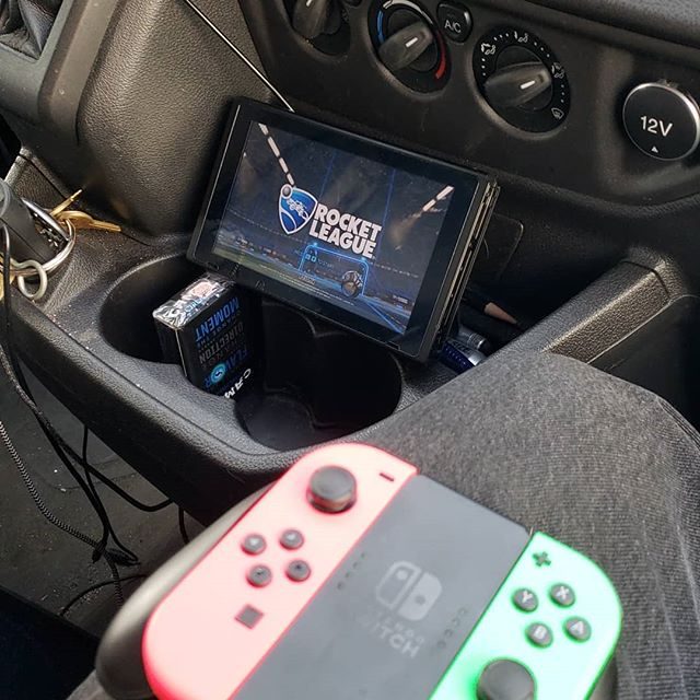 How to appropriately kill time in the work van. #nintendoswitch