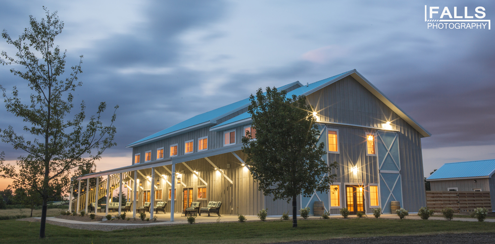 Blue Haven Barn Gardens Is A Picturesque Event Venue Located Just Outside Sioux Falls South Dakota Near Wild Water West Amusement Park