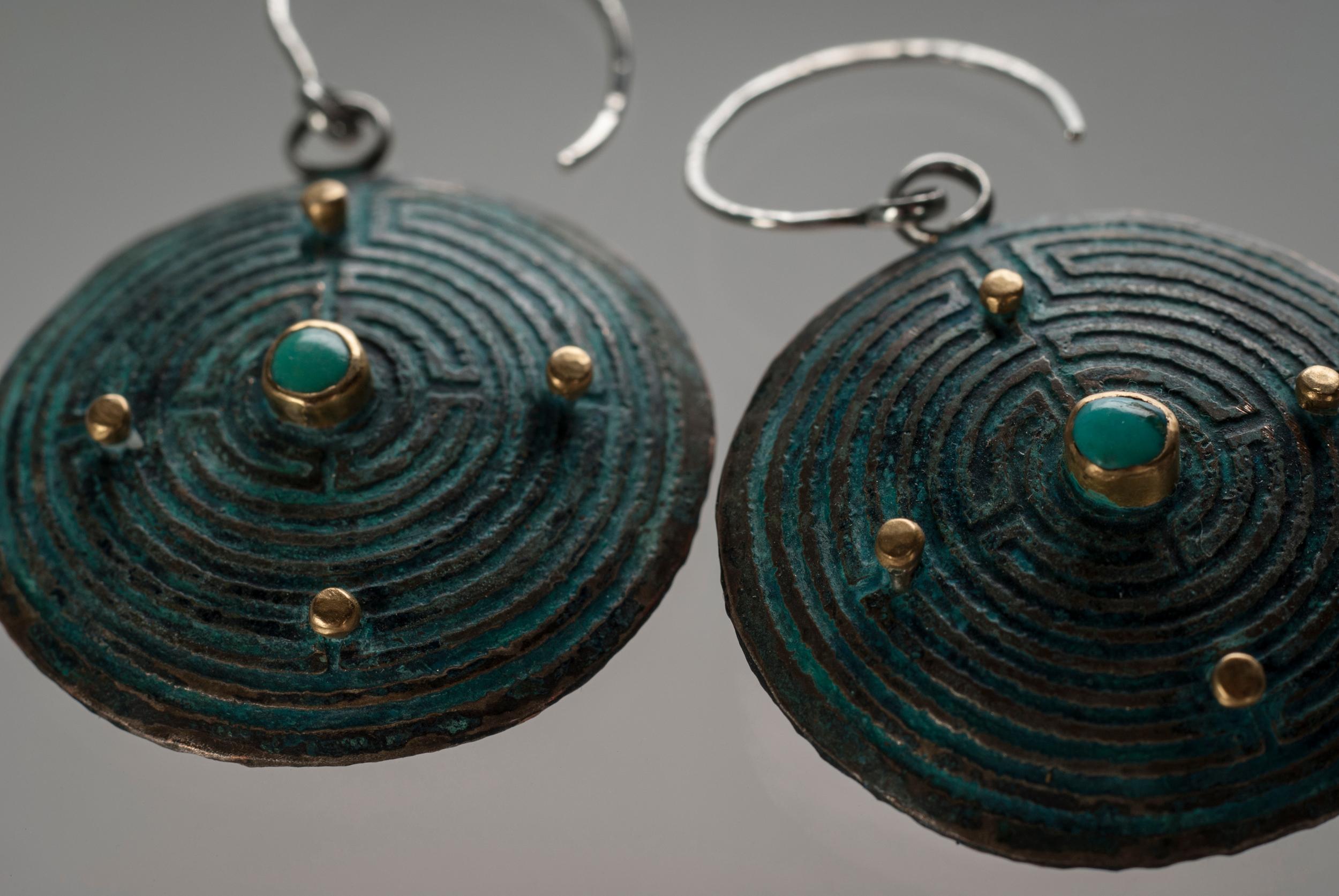 labrinyth earring turqs