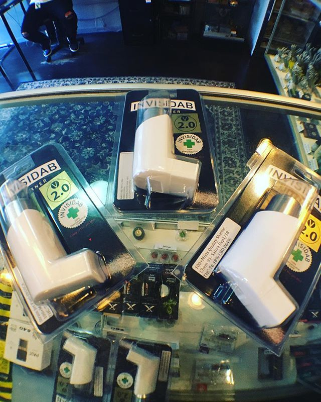 We have new inhalers from Invisidab. 50 or 100 hits. Strain specific. Incredibly discreet 👌🏽#sffogg #sffogg415 #dispensary #prop215 #mmjlife #wax #sf #flowers #medicalmarijuana #sativa #indica #hybrid #hash #vape #vapecart #vaporizer #shatter #concentrates #c02 #painrelief #edibles #medicine #insomnia #sanfrancisco #marijuana #cannabis #sleepaid #PatientAppreciation