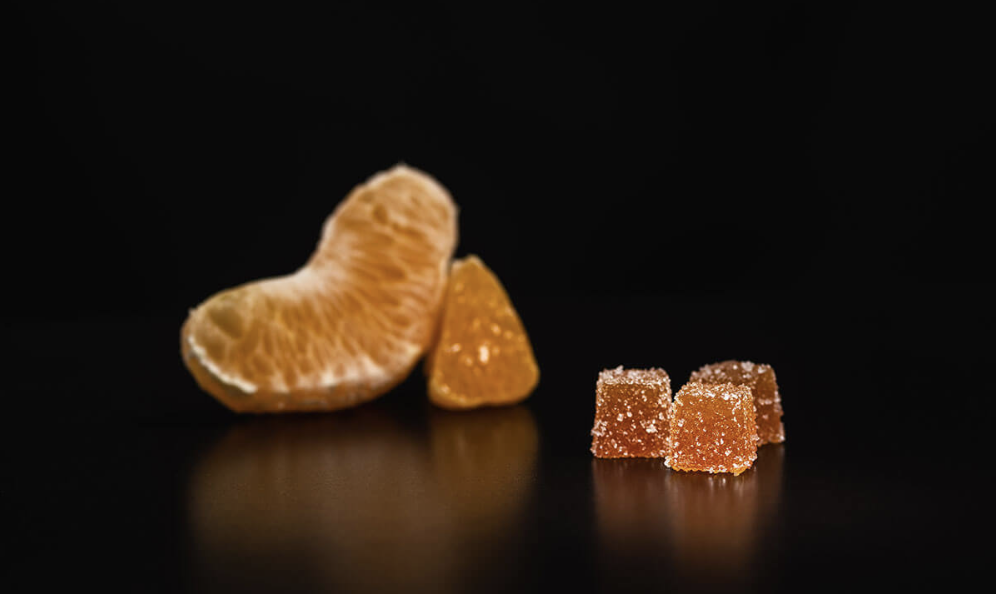 3Leaf Blood Orange Fruit Jellies - ALL-NATURAL LOW-DOSE FRUIT JELLIESThe refreshing flavors of blood orange combined with 5 mg of pure THC distillate make for an effective and controlled cannabis experience. With only 8 calories per piece and no artificial flavors or colors, these edibles provide a low-dose option that you can feel entirely great about.5 mg/piece4 pieces/bag