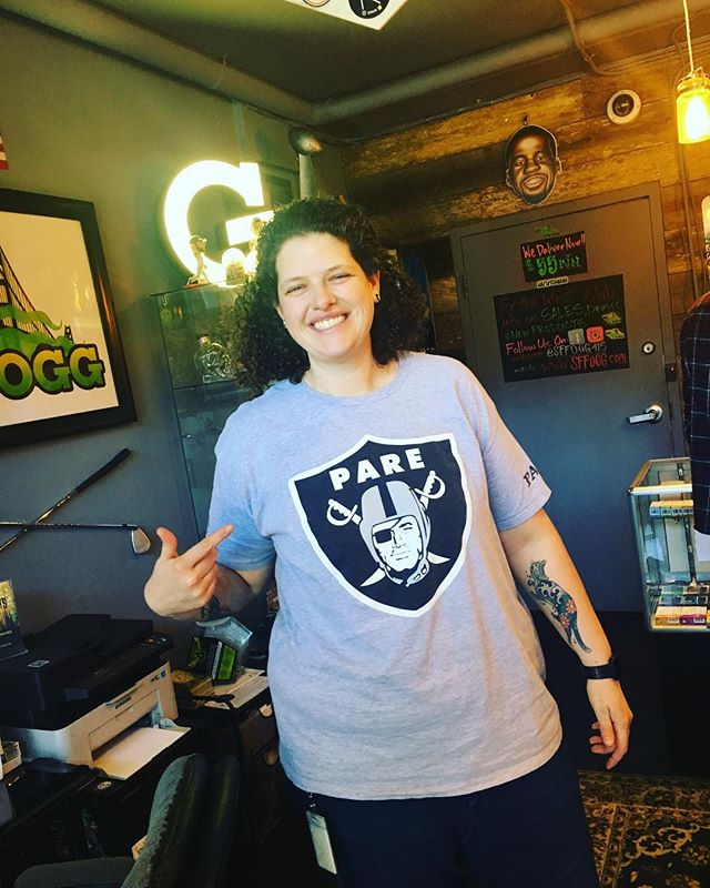 Happy Birthday to our newest member of the SFFOGG Family!! My new #Pare and #Homegirl 💪🏽👊🏽🤙🏾 Sarah O!!! @redwoodraider ...... ........ ........ #sffogg #sffogg415 #dispensary #delivery #AdultUse #Recreational #wax #sf #flowers #medicalmarijuana #sativa #indica #hybrid #vape #vapecart #vaporizer #shatter #concentrates #c02 #painrelief #edibles #medicine #insomnia #sanfrancisco #marijuana #cannabis #sleepaid #PatientAppreciation