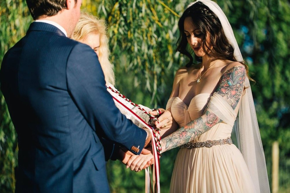 tie the knot.jpg