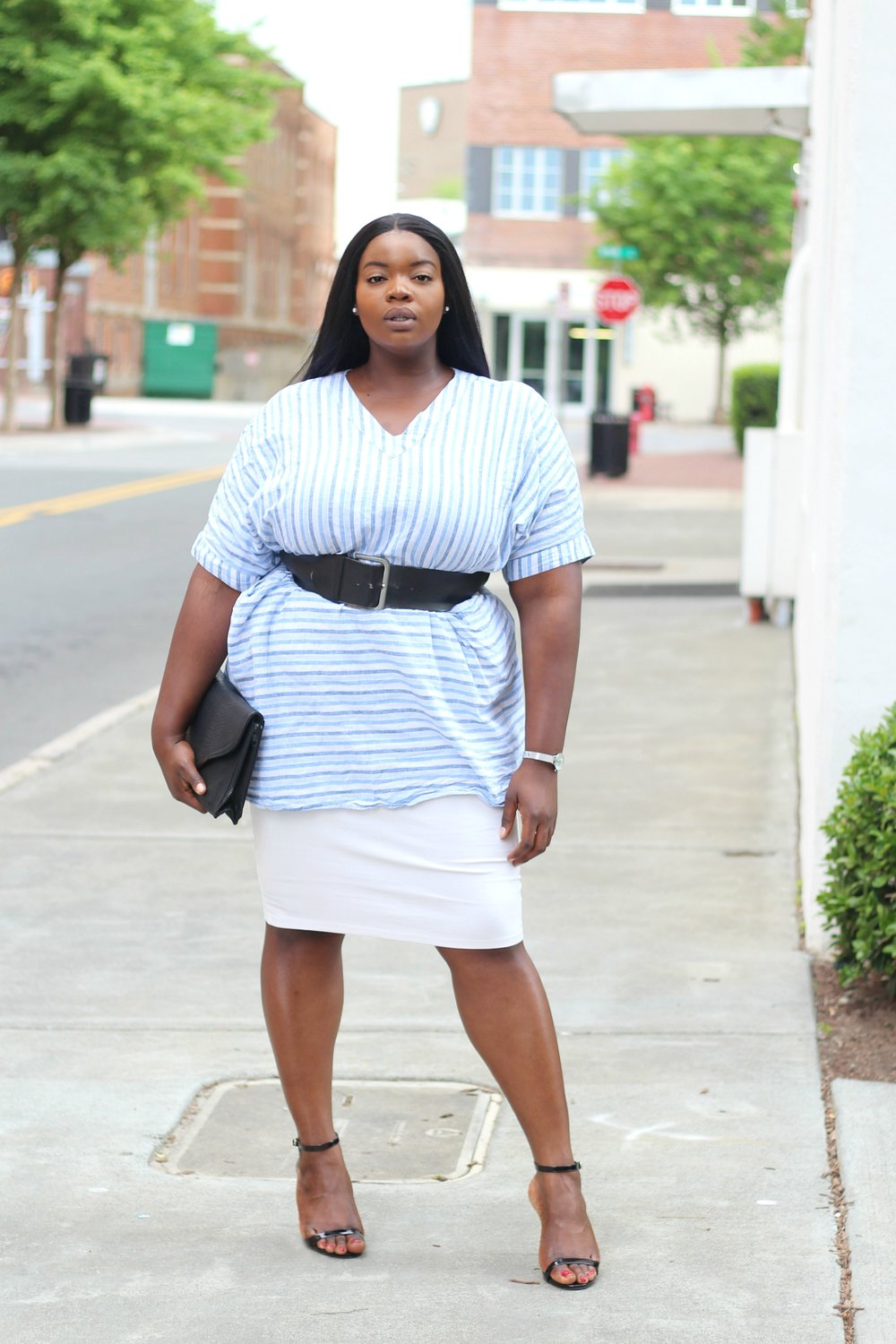 plus-size-melissa-mccarthy-striped-linen-tunic-dress-and-white-pencil-skirt-6.jpg