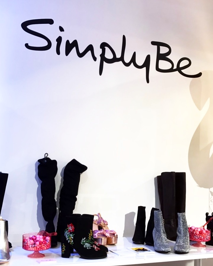 5 - simply be booth.JPG
