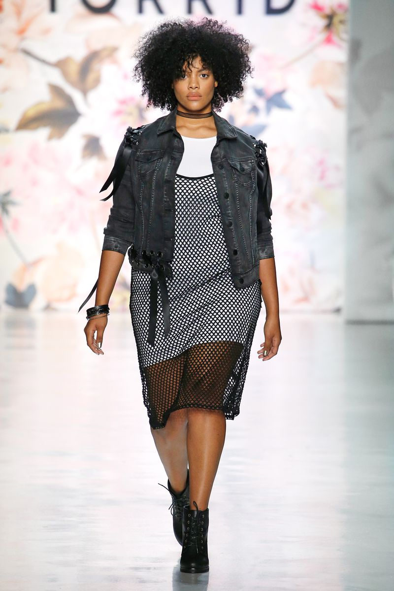 4. Plus Size Brands Show Their Collections. - Plus size model @chloevero hit the runway for Torrid. Torrid is one of the biggest plus size retailers on the market.(image credit: Racked)