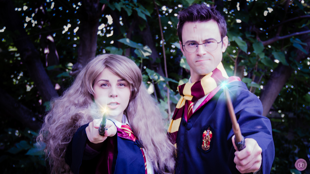 Our lookalike student wizard characters cast an incredible spell upon birthday parties, corporate functions, luncheons, and special events in and around Los Angeles. Note: Our wands are quite screen-accurate, and do in fact glow, but the lights shown in this photograph have been digitally enhanced.