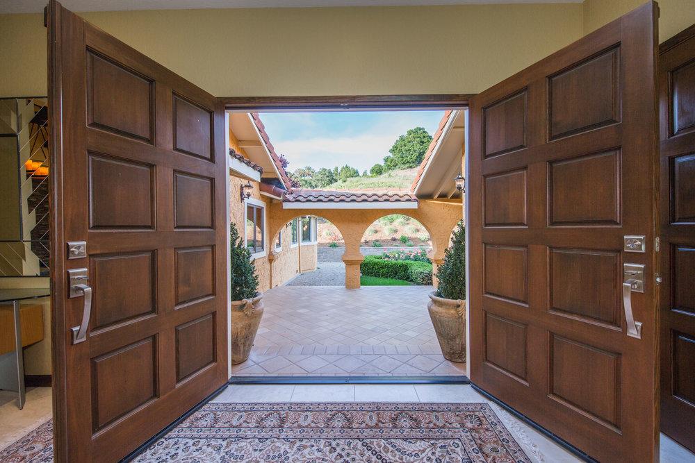 Julie Gilbert & Tom Charron - 3055 Paseo Vista Ave, San Martin, CA 95046-12.jpg