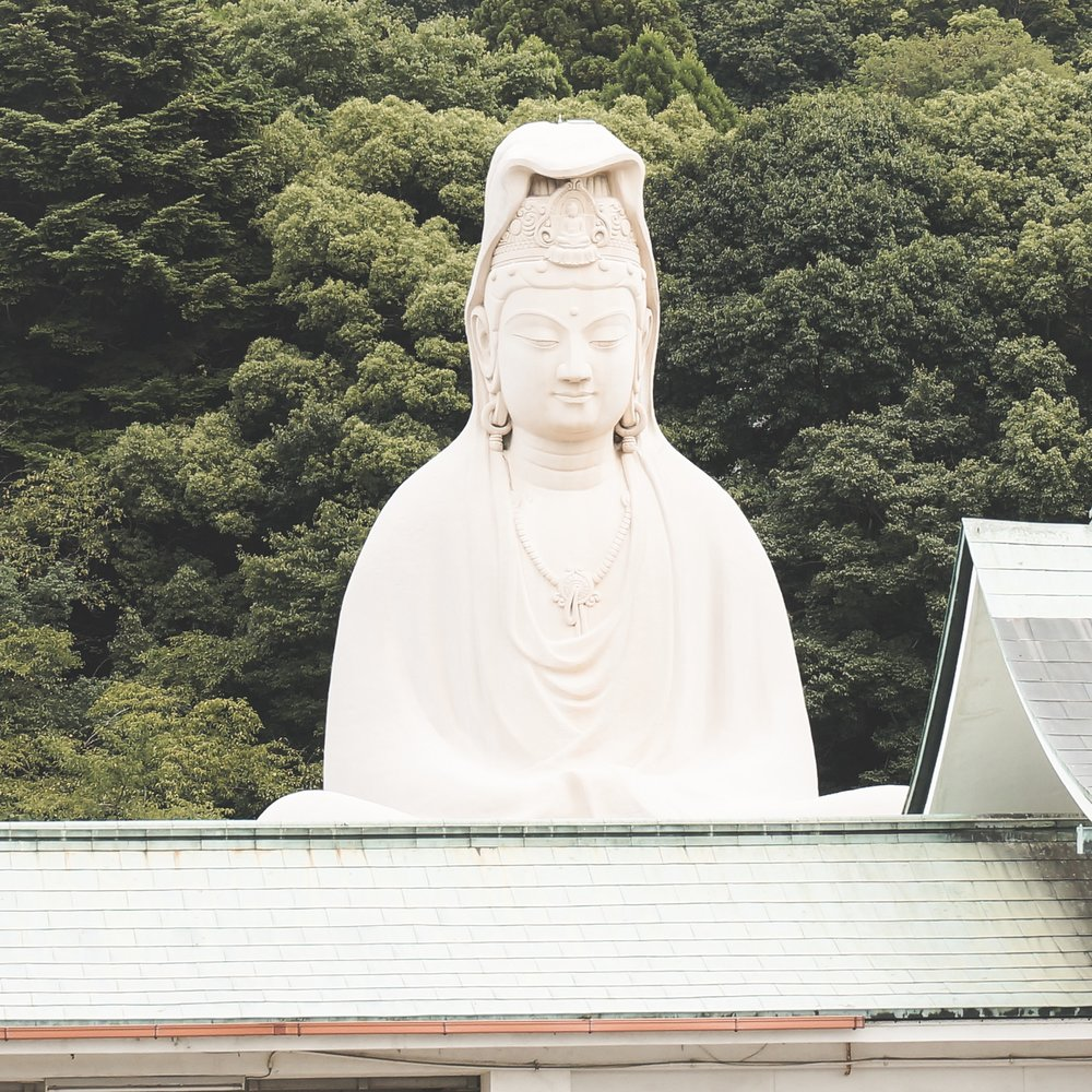 Ryozen Kanon (D3) - A really big outdoor Buddha. You technically have to pay for entry, but it's big enough that you can very easily get a good look from outside the pay gate.