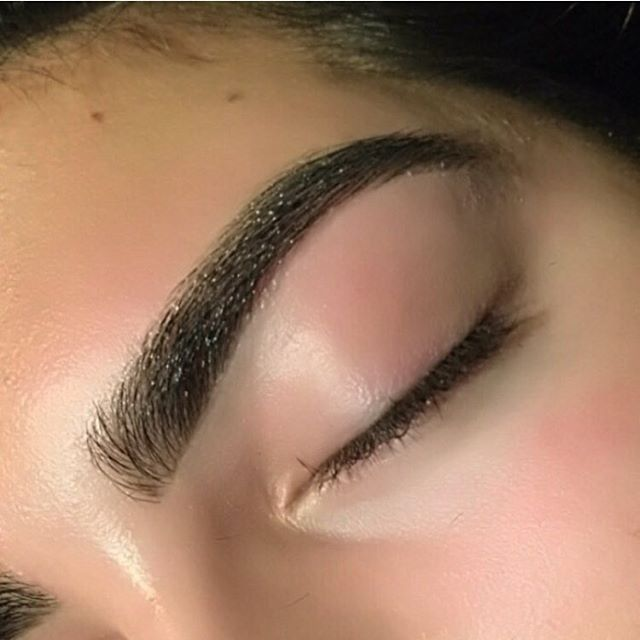 Beautiful brows by our brow expert Lindsey. 💛 @lindseymcandrews  #brows #brow #browshape #browsonpoint #browsonfleek #seattlebrows #seattlesalon #seatttlehair #behindthechair #modernsalon #cosmoprofbeauty #gigispa #seattle #seattlelife #seattlemua #seattlemakeup #marcotwounionsquare #kbb #kelleybakerbrows #archaddicts #browsworldwide