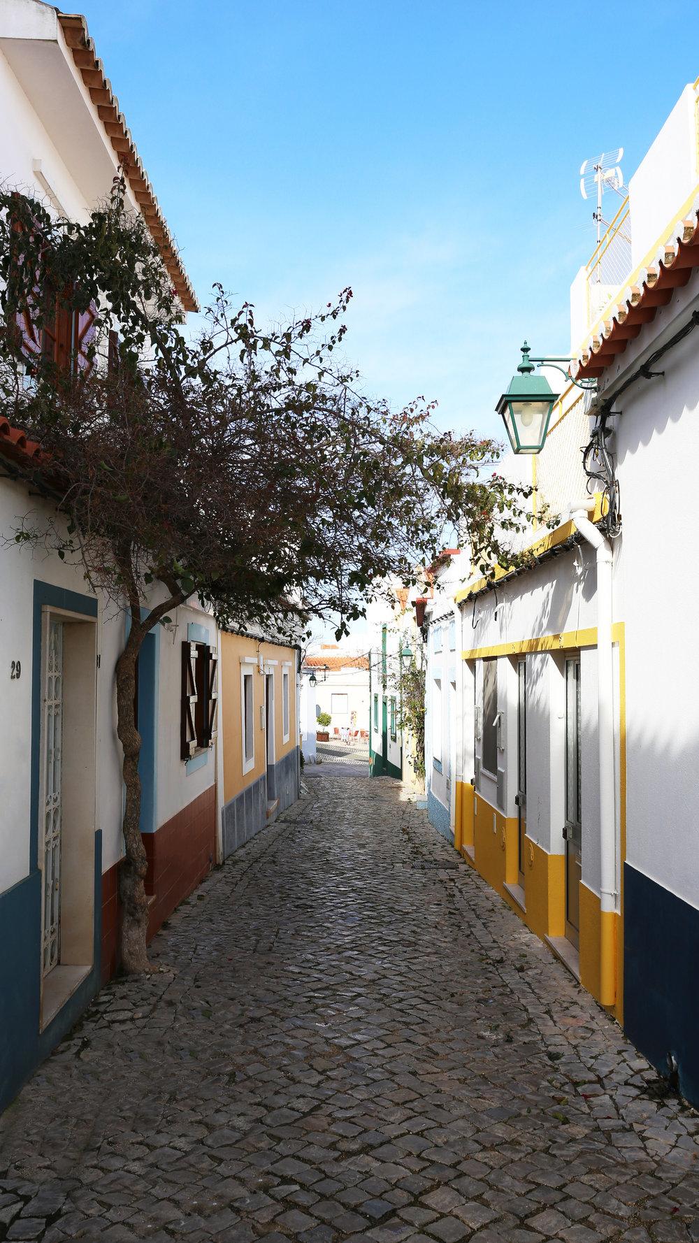 Portugal Road Trip - From Algarve's coastal towns to Lisbon's coziest cafésRead more ..