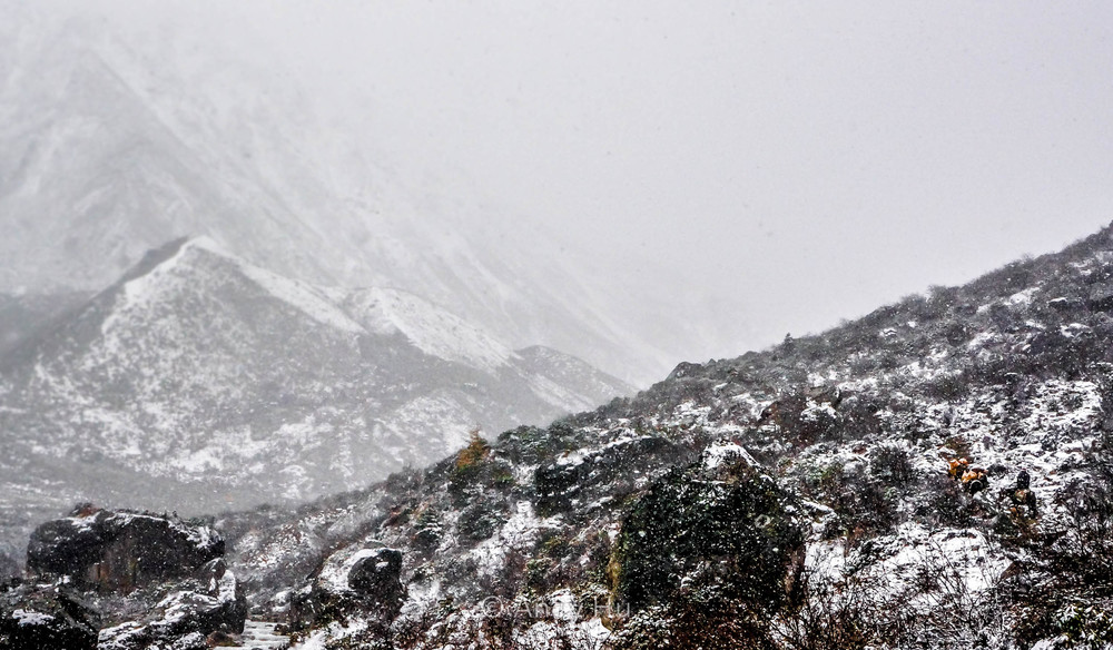 Blizzard in the mountains, day 1, Mt. Gongga Trek
