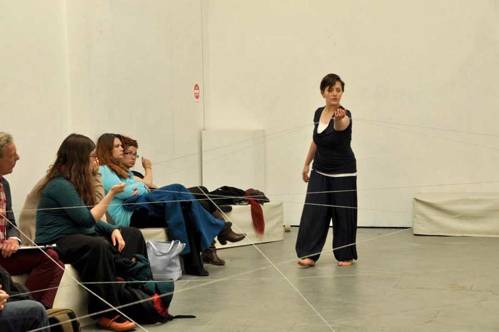 Roberta Orlando:Tangled Thread