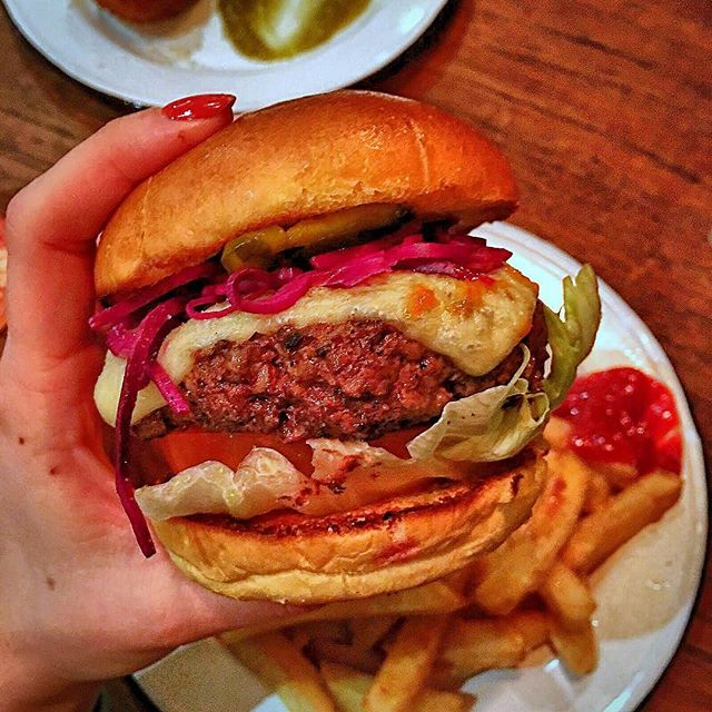 It's Tasty Tuesday! Get a #juicy #burger #chips and a #beer  for £12!