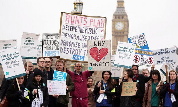 Junior doctors strike outside St Thomas' hospital, London, on 6 April. Photograph: Dan Kitwood/Getty Images