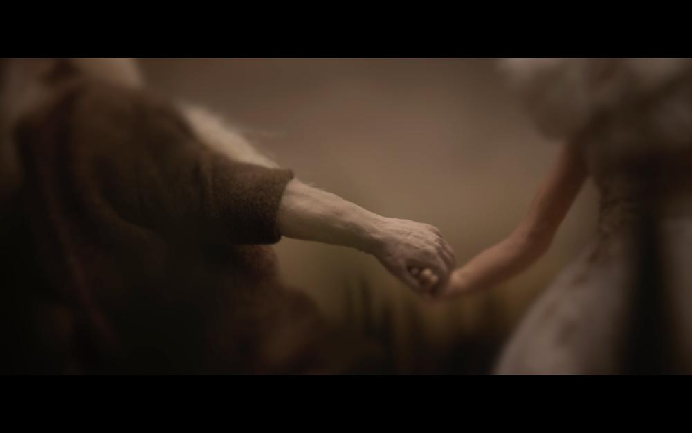 holding-hands-olluna.jpg