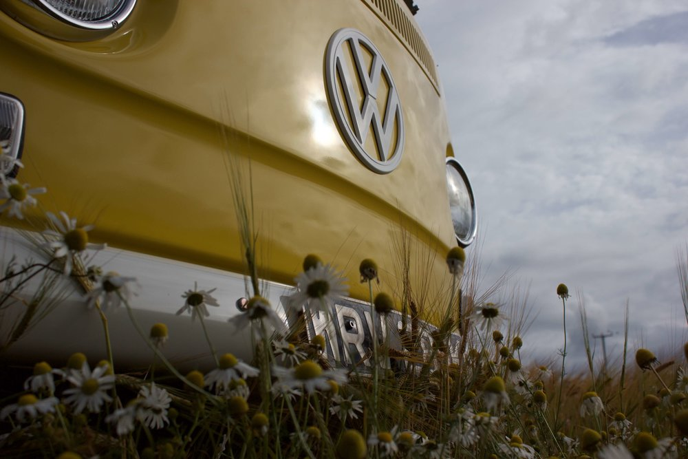 VW-camper-wedding-car-little-miss-sunshine-3.jpg