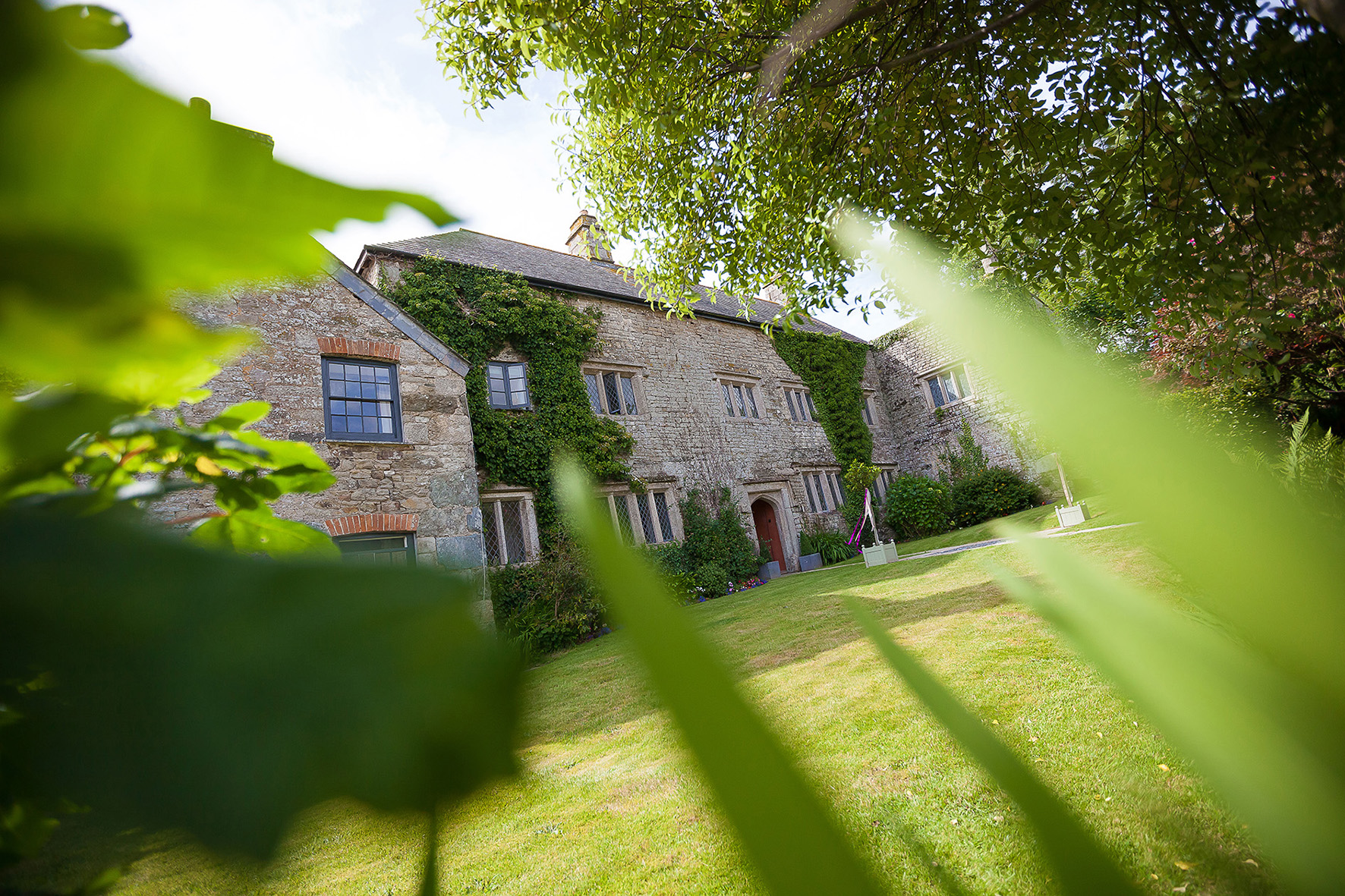 Front View Of Historic Pengenna Manor Wedding Venue In Cornwall Kiss Photography Jpg