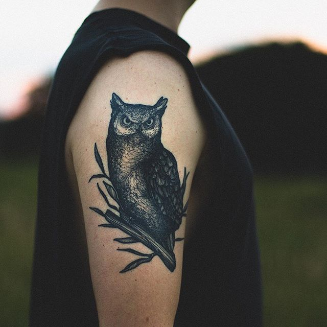 Last one, I promise! Here's the beautiful owl, also by @silveiratattooer. Most people who see the new tattoos say that this one is their favorite--like my brother, @sgemunden --but I'd love to hear from you guys which one you like most!? .. Ps we finally put up a video on our YouTube channel!! There's a link in our bio 😜 . #wildweroam #theartoftattoos #inked #inkedmen #darkartists #owl #owltattoo #theartoftattoos #tattoo #tattooideas