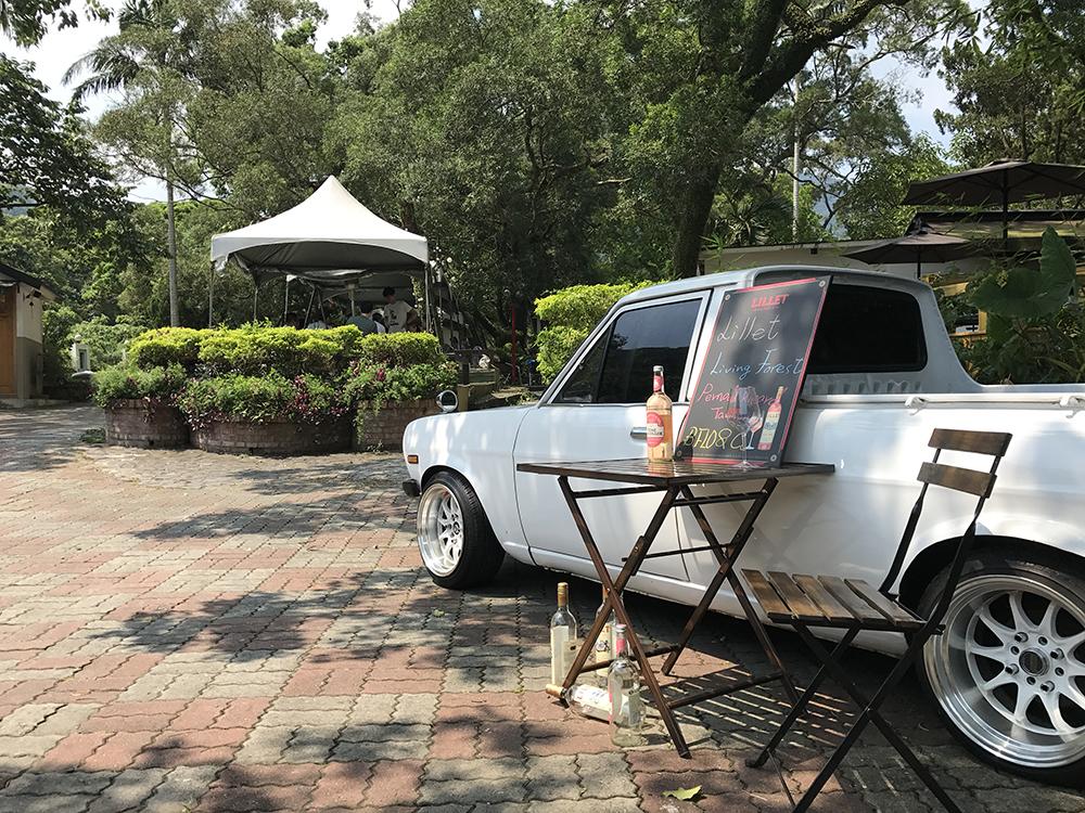 WEDDING RENTAL - 婚禮佈置租借復古 古董老車 $12,000使用拍照區展示