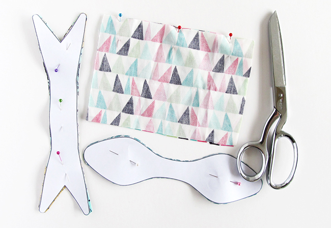 Using hair bow templates to sew bows