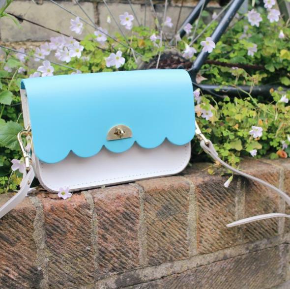 Cambridge Satchel beauty : Photo credit Ha Online