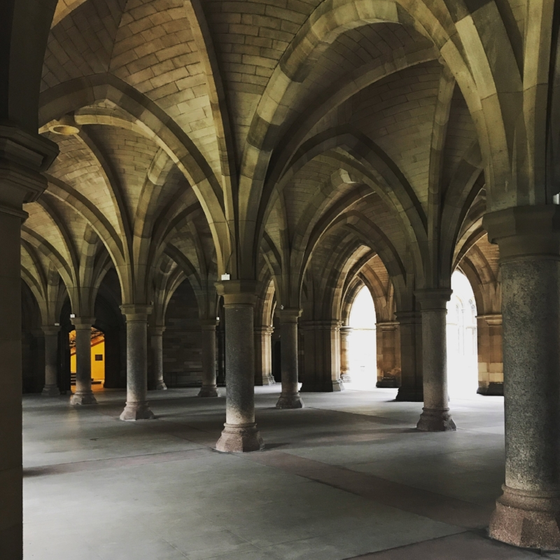 Walking through Glasgow university with some serious HP vibes!