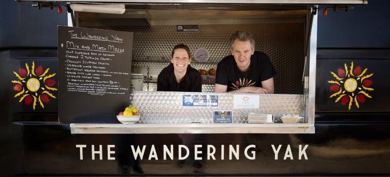 Helen and Ian, the lovely human beans who run Wandering Yak 👌🏻  Image credit :  wanderingyak.co.uk