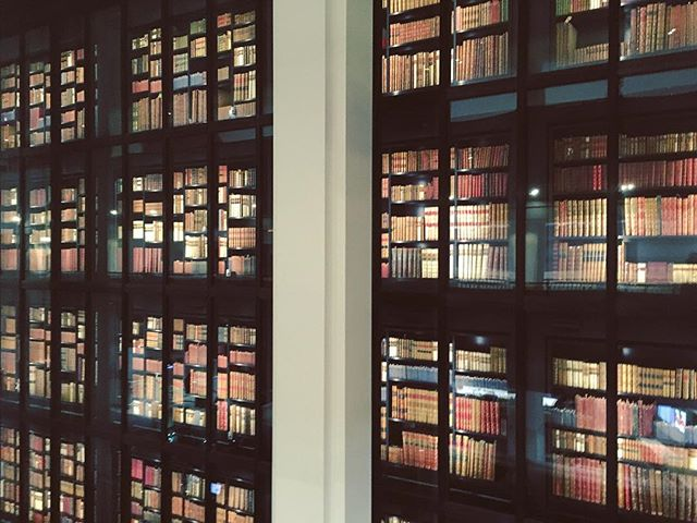 New year; old books 📚 . . . #library #books #oldbooks #bookshelf #bookdisplay #📚
