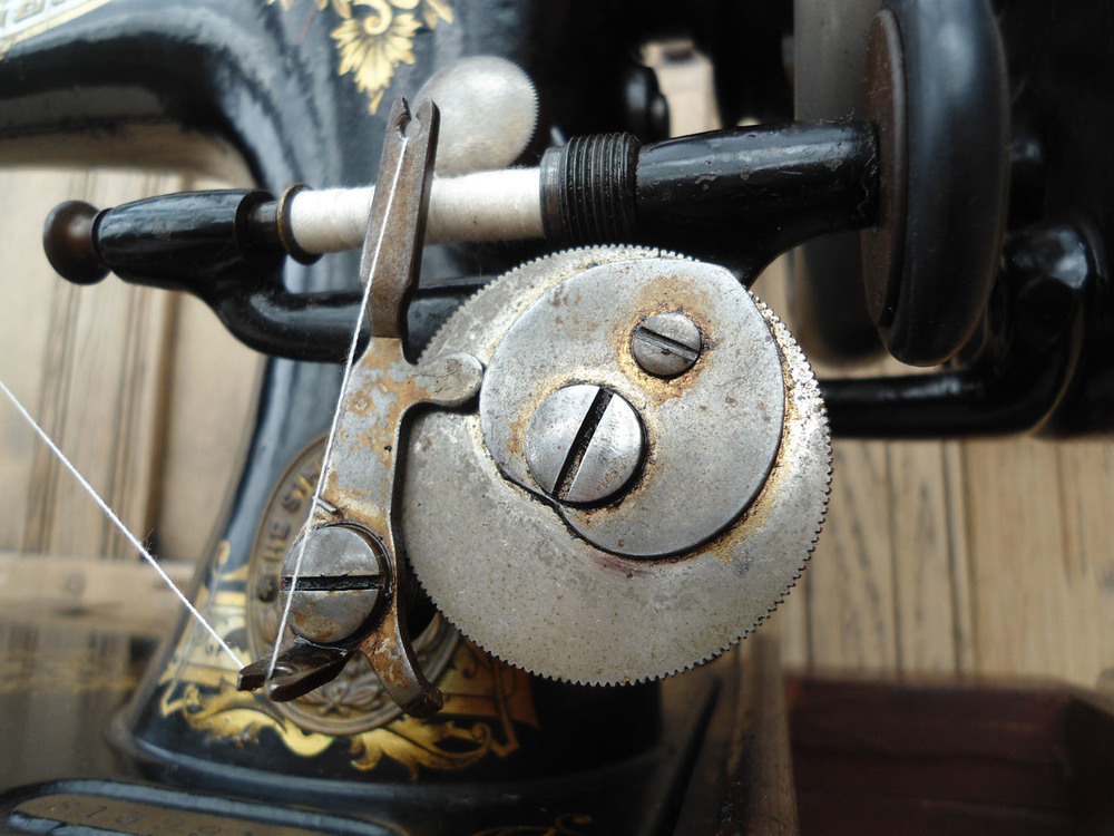 Singer 28 k. Bobbin winding mechanism