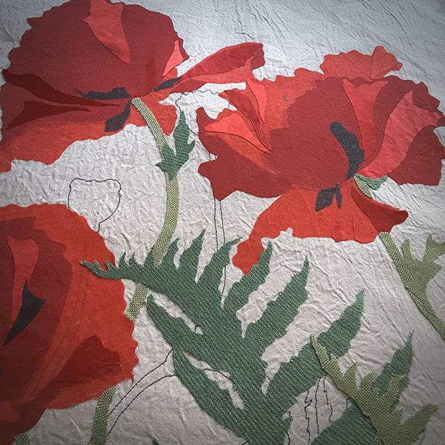 Poppies. Almost ready to stitch #bigredpoppies #orientalpoppies #textileart #workinprogress #applique