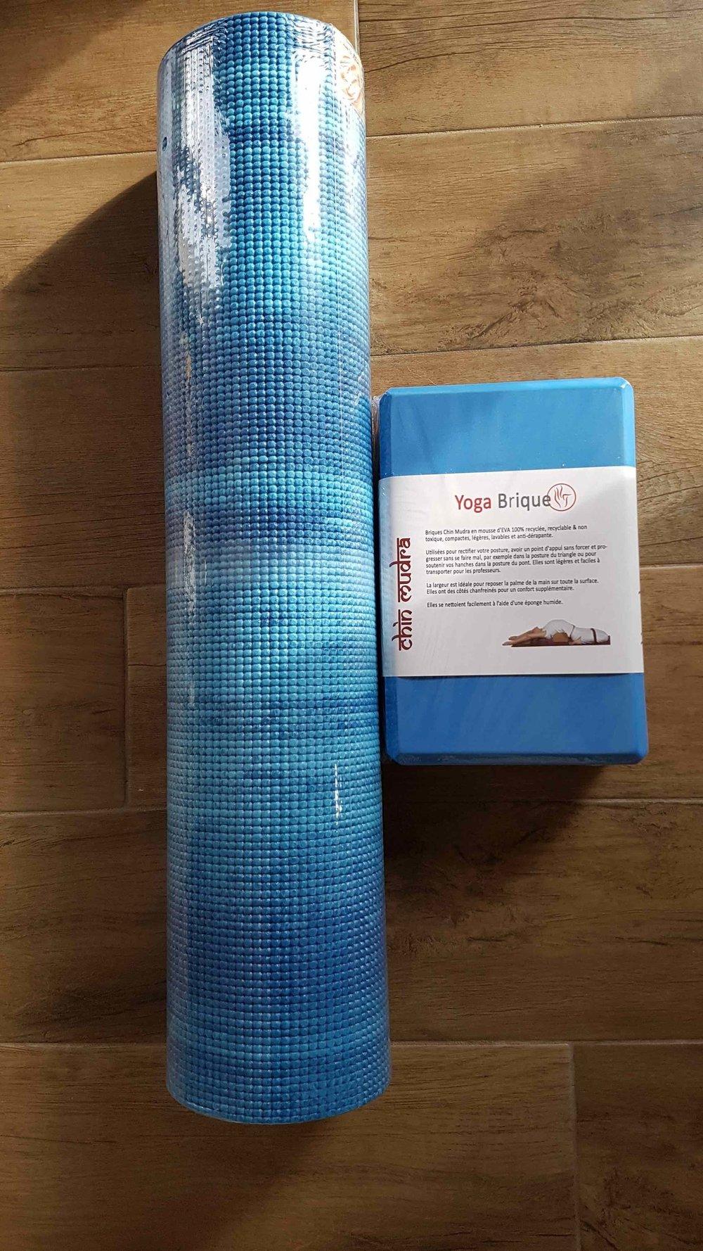 Petit Kit Eau - 1 tapis bleu lagon + 1 bloc mousse bleu : 44€TTC