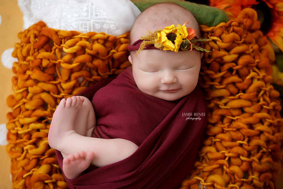 Fall newborn photo ideas jamie renee photography best newborn photographer in ohio best