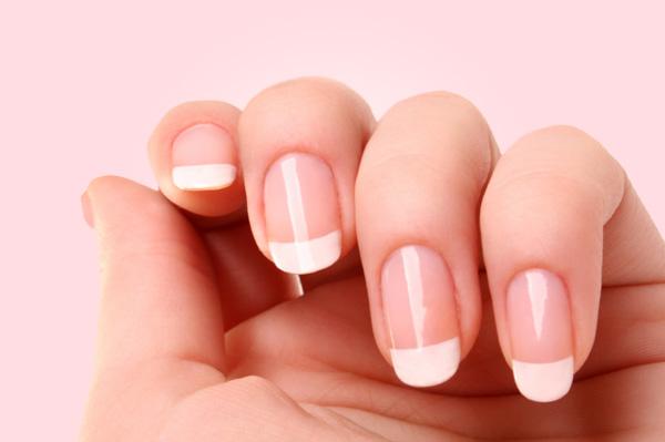 french-manicure-beauty.jpg