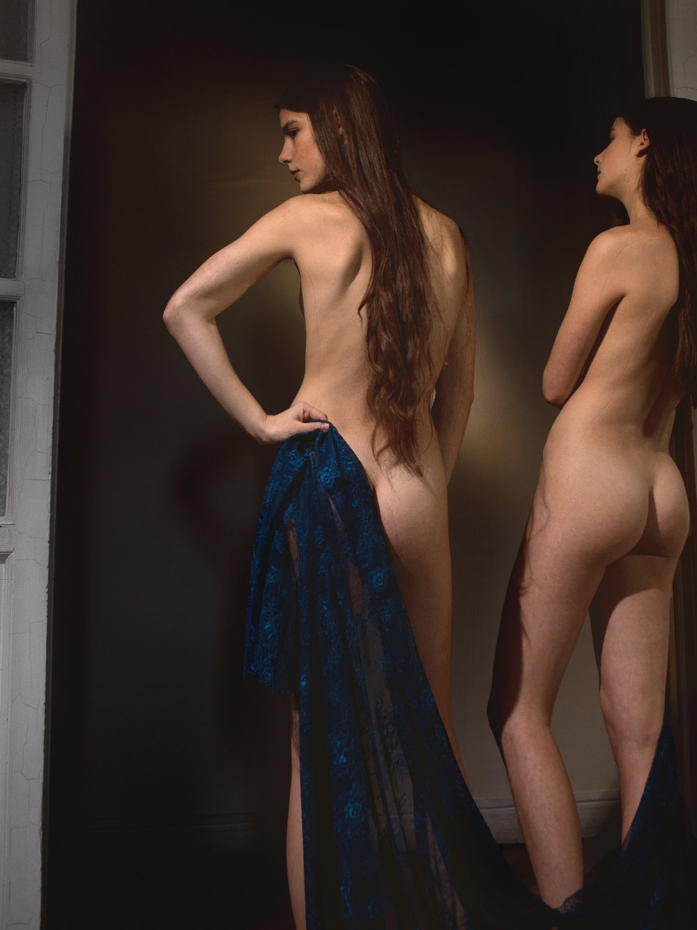 Virginia y Victoria visten mantilla de  LA PARISIÉN.